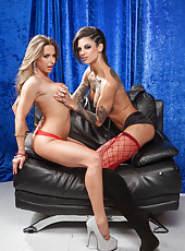 Two first-class lesbians Bonnie Rotten and Rachel RoXXX in the unforgettable action