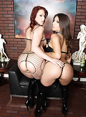 Two zingy babes Jynx Maze and Nicki Hunter playing in dirty lesbian games