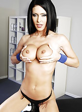 Slutty milf Jessica Jaymes posing in hot lingerie and showing big tits