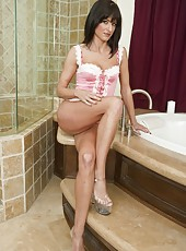 Skinny wgore Cecilia Vega posing in her bath and spreading shaved sissy