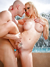Hardcore outdoor action in which Alexis Ford sucks a big cock