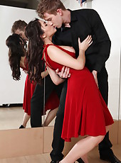 Hot tango with Valentina Nappi turns into passionate anal penetration