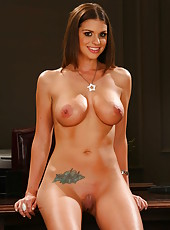 Great babe with alluring shaved pussy and big tits - Brooklyn Chase
