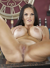 Brunette milf Mackenzee Pierce makes us wild with her decollete and then gets completely naked