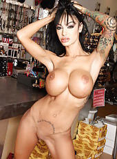 We bring you fantastic and unforgettable brunette milf with hot big tits and sexy tattoos Angelina Valentine