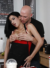 Gorgeous and busty tattooed brunette babe Daisy Cruz fucked like a cougar