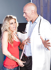 Hardcore fuck with a passionate and horny blonde minx named Jessa Rhodes