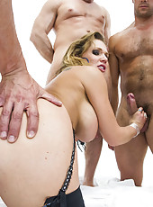 Hardcore group sex for super busty milf Nikki Sexx fucked and facialized by four cocks