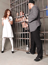 Sexy doctor Roberta Gemma was invited to check out prisoner