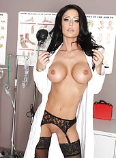 Excellent head physician brunette Jessica Jaymes enjoys to get relaxation stripping on the camera