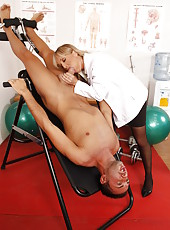 Blonde doctor with big a little bit saggy tits Jessica Moore starts her treatment with a blowjob