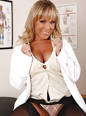 Experienced doctor Jessica Moore takes off her uniform to amaze with dulcet big tits