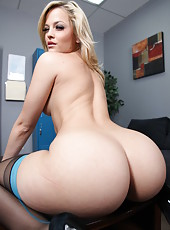 Great blonde milf Alexis Texas treats with her delicious plump ass by taking off her sexy uniform