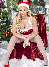 Christmas uniform makes Ava Addams and Phoenix Marie hot as hell