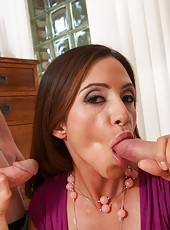 Brave slut Ariella Ferrera prefers to work with two dicks at the same time
