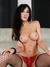 Tired chick Diana Prince showing her skills and fingering really hard