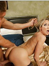 Nasty milf Brandi Love bagning with young boys and making blowjobs
