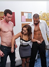Hardcore threesome with a gentle and horny milf Liza del Sierra