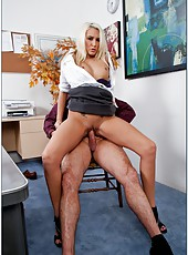 Naughty blonde lady Katie Summers looks amazing without her sexy skirt