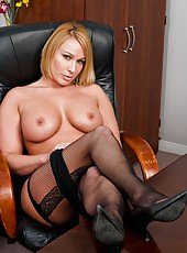 Passionate action with a gorgeous and busty lady named Mellanie Monroe
