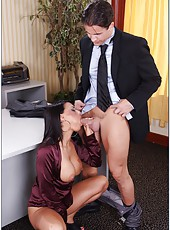 Eva Angelina undresses her sexy clothes before an amazing fuck in the office