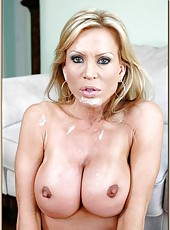Outstanding cougar Amber Lynn is having her twat drilled very deep