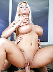 Happy milf Holly Halston making a deepthroat and getting nailed on the sofa