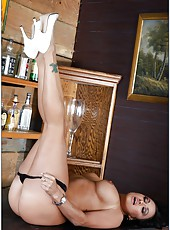 Winsome Claudia Valentine came in the bar to get real delight