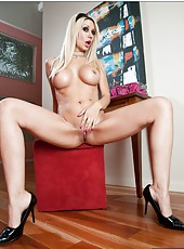 Hardcore fucking scene with glamorous, sweet and fashionable blonde babe Jazy Berlin
