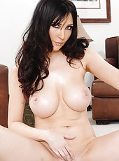 Zingy babe Diana Prince prefers to undress on camera and masturbates