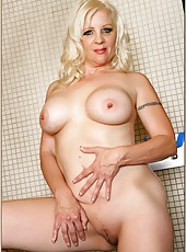 Exceptional wife Veronica Vaughn demonstrating her big ass yummy boobies