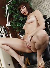 Naughty milf Dana DeArmond came at the doctor for a hot orgasmic therapy
