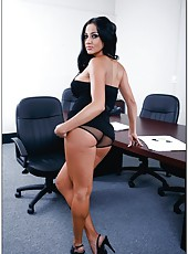 Luxury brunette with perfect curvy forms Audrey Bitoni strips and fucks in the office