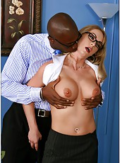 Hardcore business lady namd Aline satisfied by extremely huge black dick