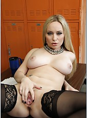 Pale skinned blonde Aiden Starr plays with her fucker