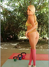 Pure beauty in the naked form by gorgeous blonde babe Elaina Raye