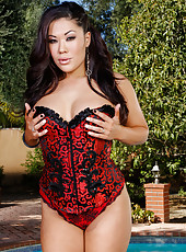 Alluring Asian doll London Keyes demonstrates her tight secrets