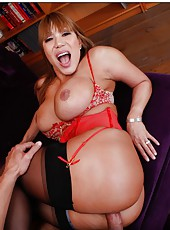 Wild mature with always hungry ideas Ava Devine fucks like a bitch in the library