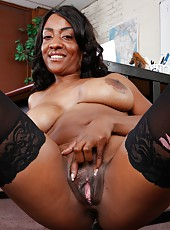 Nice Ebony milf Sincerre Lemmore surprises us with big boobs and interracial fuck