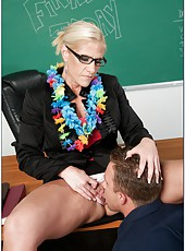 Mature blonde hottie Amber Irons turns her lesson into wild fucking action