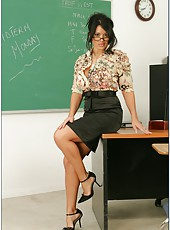 Superb brunette teacher Sienna West presents an additional lesson