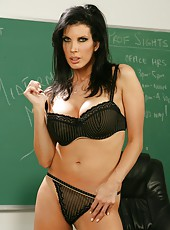 Exciting brunette with engaging eyes Shay Sights seduces lucky student