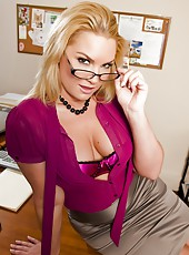 Sexy office milf Flower Tucci penetrated in the tightest hole of her body