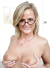 Mature teacher Becca Blossoms realizes her dirty dreams at the table