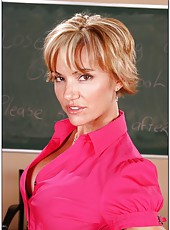 Short haired lady with nice boobs and hot ass Cameron V facialized in the classroom