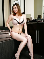 Sara Stone surprises with her incredibly beautiful big boobs and fucks great