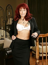 Dangerously hot and seductive mature Nikki Sinn fucked in the POV action
