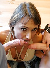 Threesome with a horny mature Jillian Foxxx and her lucky fuckers