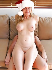 Amazing Xmas fuck with a gorgeous blonde mature named Robin Pachino
