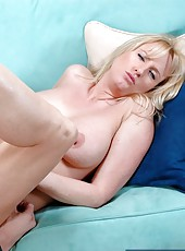 Nasty blonde Bethany Sweet decided to give an incredible blowjob